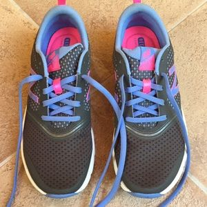 New Balance Heel Pillow Athletic Shoes